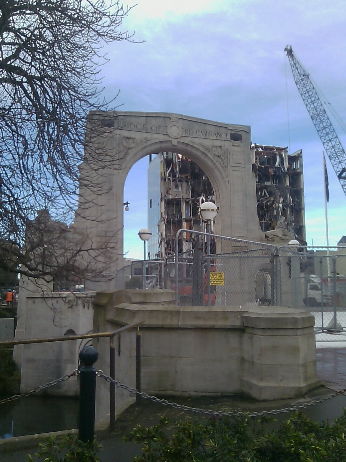 Bridge of Remembrance 1937 and 2011