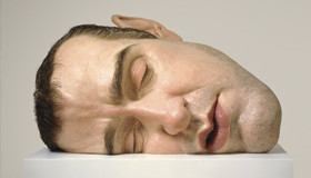 Ron Mueck Mask II 2002. Polyester resin, fibreglass, steel, plywood, synthetic hair, second edition, artist's proof. Private collection. © Ron Mueck courtesy Anthony d'Offay, London