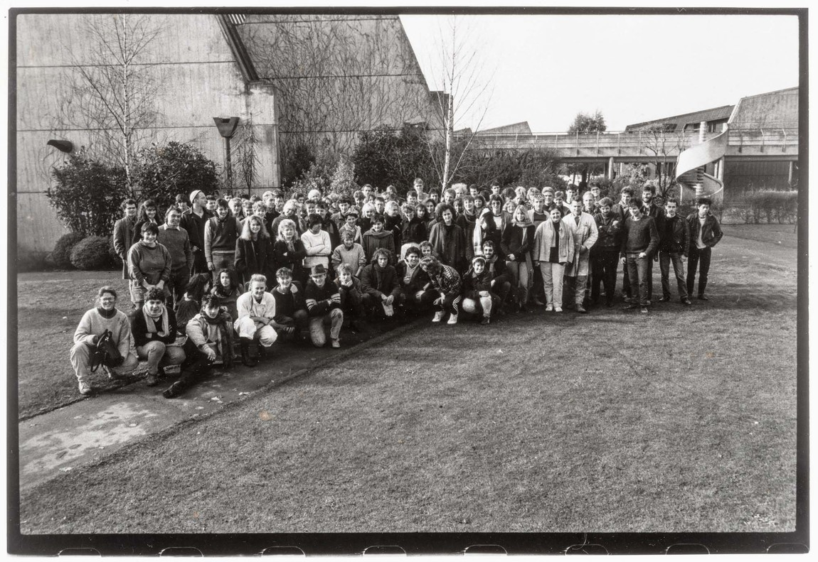 University of Canterbury School of Fine Arts, class of 1986. Image courtesy of Tony de Lautour