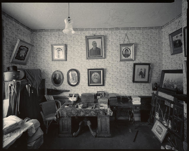 Interior #1, Awhitu House, Taumutu, Canterbury, 18 March 1983