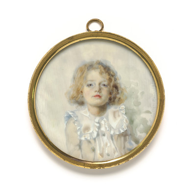 Evelyn Haig Innocence 1896. Ivory. Collection of Christchurch Art Gallery Te Puna o Waiwhetū, presented by the Canterbury Society of Arts, 1932